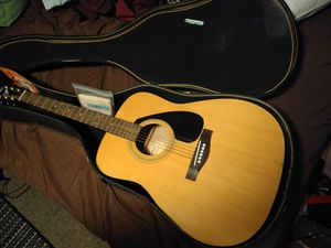 Yamaha F-310 acoustic guitar for Sale in Hampton, VA