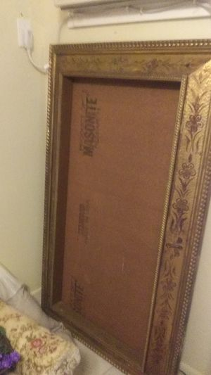 Vintage Brown MIRROR FRAME WITH MIRROR IN PERFECT CONDITION for Sale in McAllen, TX