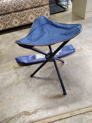 """Portable Stool with storage bag h 17"""" x 12"""" seat for Sale in Hillsboro, OR"""