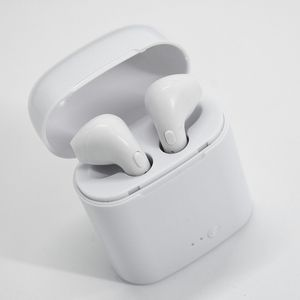 Brand new Bluetooth wireless earpods earphones with portable charging case for Sale in Davie, FL