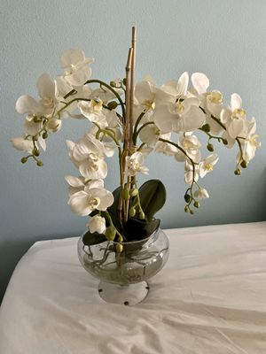 Glass orchid flower pot for Sale in El Mirage, CA
