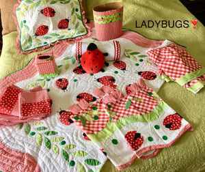 """❤️🖤Super-cute """"LADYBUG"""" bedding, valances and room decor! Lots of extras included ❤️🖤 for Sale in Colleyville, TX"""