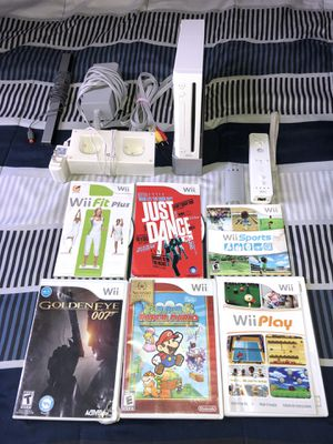 Nintendo Wii Bundle for Sale in Hartford, CT