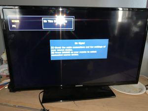 32 inch Samsung tv no remote control for Sale in Fontana, CA