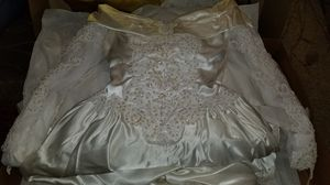 Wedding dress and veil for Sale in Johnson City, TN