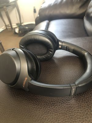 Sony Wireless Noise Cancelling Headphones for Sale in Romulus, MI