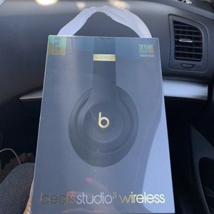 Beats by Dre Studio 3 Wireless Headphones Skyline Collection for Sale in Corona, CA