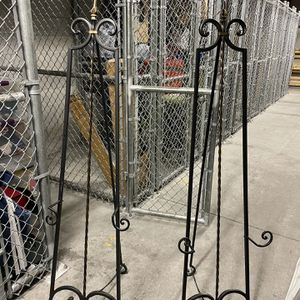 Metal ornate Easel for Sale in Tampa, FL