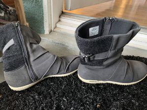 Patagonia womens Kula boots for Sale in Laguna Beach, CA