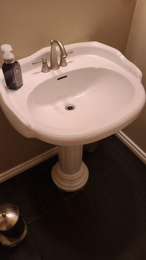 Pedestal sink for Sale in Kennewick, WA