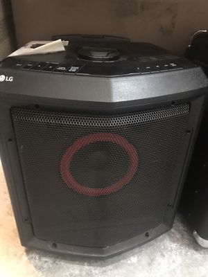 $70 USED in mint condition LG FH2 Home Theater System rechargeable outdoor camping portable Bluetooth speaker with rolling wheel and handle for Sale in El Monte, CA