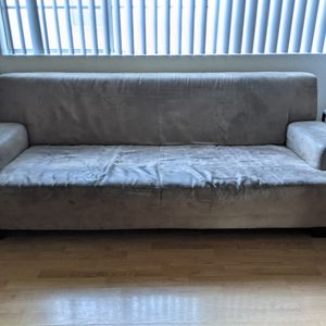 """7' (84""""x37"""") Couch - $25 for Sale in Los Angeles, CA"""