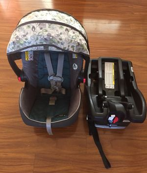 Graco snugride click connect 35 car seat for Sale in Los Angeles, CA