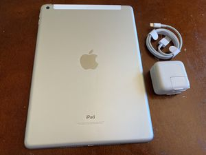 Ipad 6th generation, 32gb, WiFi, ID scan, great condition. For $220 firm for Sale in San Leandro, CA