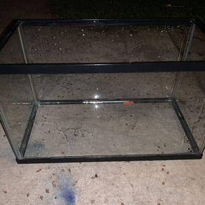 Fish Tank (10 gallon) for Sale in Dinuba, CA