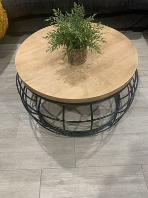 Coffee table for Sale in Bunker Hill Village, TX