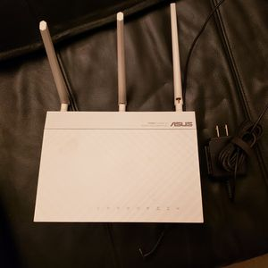 Used ASUS RT-N66W Dual-Band Wireless-N900 Gigabit Router for Sale in Lakewood, CA