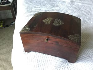 World Market Jewelry Box ($39.99 retail) - excellent condition - price reduced to $10! for Sale in Las Vegas, NV