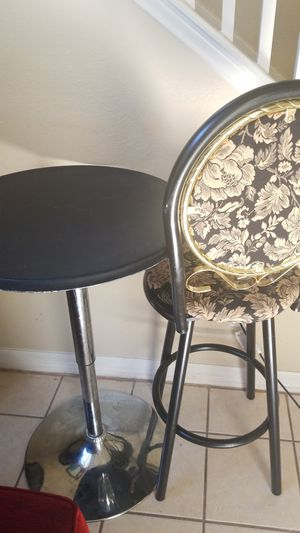 Round bar table and stool. Most go for Sale in Pflugerville, TX