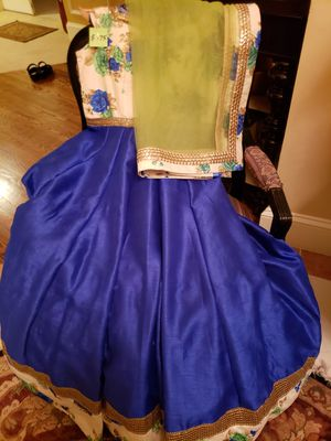 Full length raw silk gown with padded bust and side zipper for Sale in Rockville, MD