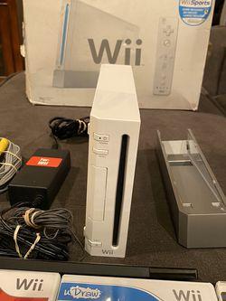 Nintendo Wii Bundle for Sale in Stockton,  CA
