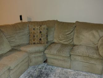 Free Sectional Couch for Sale in Hudson,  CO