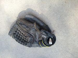 Mizuno softball glove for Sale in West Covina, CA