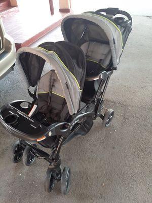 Double stroller for Sale in Hialeah, FL