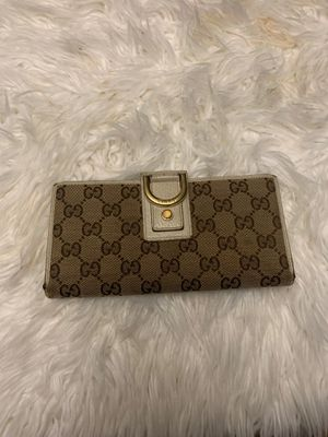Authentic Gucci long wallet for Sale in Kirkland, WA