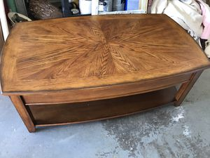 Unique Coffee table for Sale in Lake Wales, FL