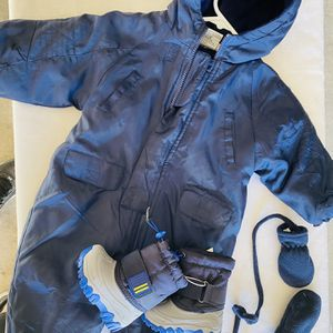 Snow Suit Size 12-18 Months And Boots for Sale in Surprise, AZ