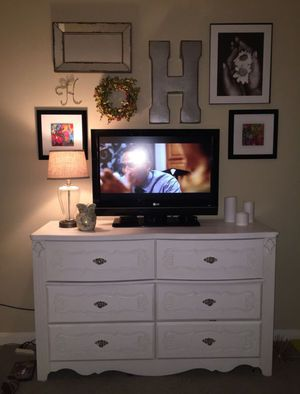 REDUCED LG 32 inch tv for Sale in Dallas, TX
