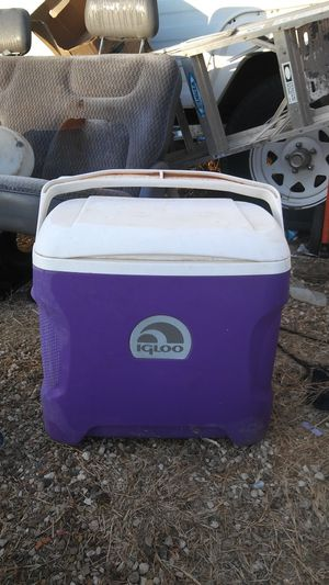 Blie igloo cooler for Sale in Lubbock, TX