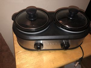 Tru double crock pot for Sale in Cleveland, OH