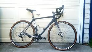 2015 Cannondale Synapse Hi-Mod Carbon road bike! for Sale in Los Angeles, CA