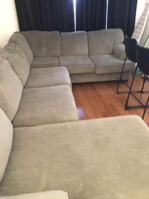 Sectional couch for Sale in Cleveland, OH