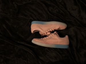 Limited Edition Pink Dolphin Pumas for Sale in Cleveland, OH