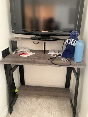 Small desk for Sale in Oceanside, CA