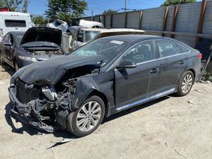 2015 Hyundai Sonata for parts only (R&D) for Sale in Modesto, CA