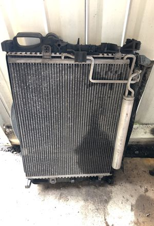 2004 Mercedes E320 radiator, condenser, fan assembly for Sale in Houston, TX