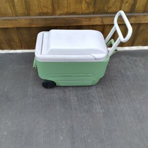Cooler for Sale in Glendale, AZ