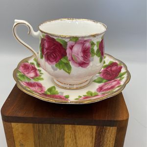 Old English Rose Royal Albert Tea Cups ($22 Each. 2 Available) for Sale in Huntington Beach, CA