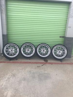 "22"" SAVINI Wheels Black Di Forza Light Weight Chrome Rims for Sale in Lake Forest, CA"
