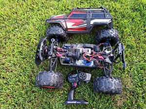 Traxxas summit. 4x4. With remote and batteries for Sale in Virginia Beach, VA