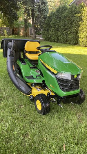 """John Deere X300 , 42"""" deck , 100 hours, bagger system , mulch control system ! for Sale in Northbrook, IL"""