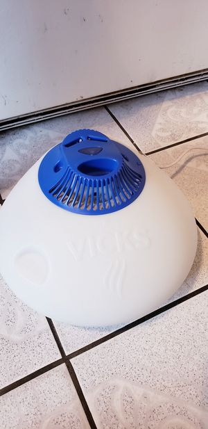 vicks humidifier for Sale in Los Angeles, CA
