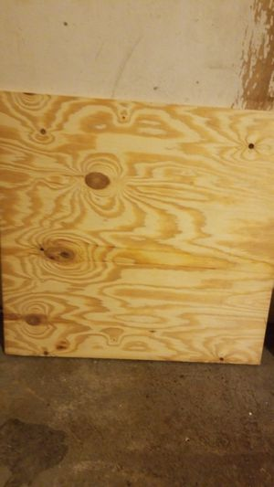 2 foot x 2 foot x 3/4 in MDF sold at home depot for $9.49 ea for Sale in Fridley, MN