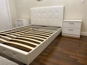 NEW DRESSER AND TWO NIGHTSTANDS for Sale in Orlando, FL