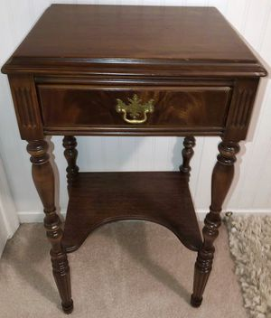 Antique Mahogany Nightstand Side Table for Sale in Crofton, MD
