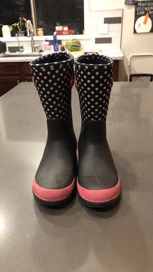 Like new worn once girls size snow/rain boots. for Sale in Surprise, AZ